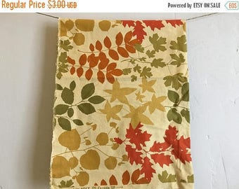 ON SALE 24 Inches of Autumn Themed Botanical Cotton Quilt Fabric, Quilt Fabric Remnant