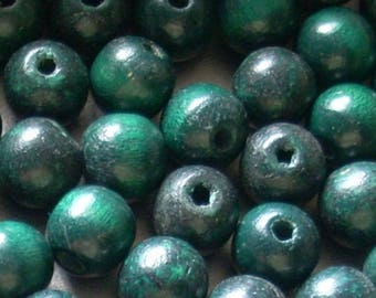 20 green wooden beads 7mm round