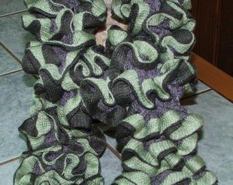 Handmade - scarf ruffle retinella tre - green and gray