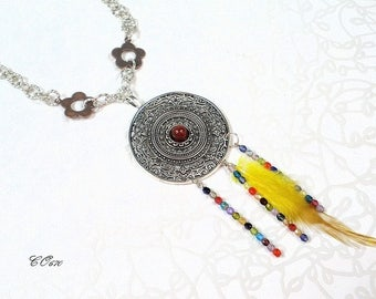 ethnic necklace with yellow feather CO670