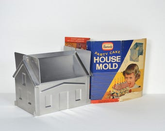 Vintage Party Cake House Mold, Aluminum Alumode 4-pc Pan Set, with Recipes Instructions for Baking House-shaped Cakes, Manitowoc Wisconsin