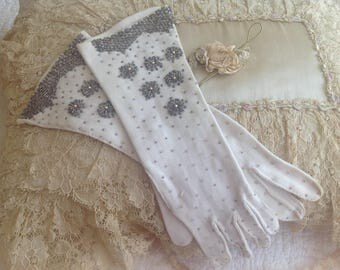 Gorgeous vintage 1950's cotton beaded gloves