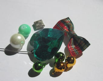 set of beads and accessories for decoration of (1)