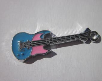 guitar (P3) colored metal charm