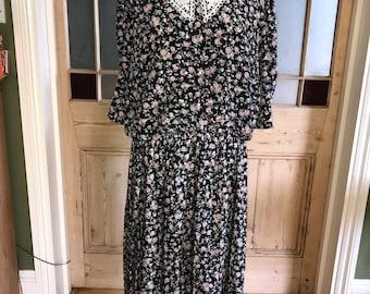 Vintage 80s dark blue floral print dress lace collar shoulder pads large plus size