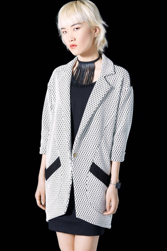 OLD FASHIONED - three-quarter sleeves oversize long lenght cardigan, blazer, vest, cover-up for womens - ivory white with black triangles