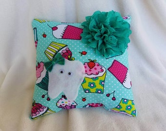 Tooth Fairy Pillow, Cupcake, Tooth Pouch Pillow, Tooth Pocket Pillow, Money Pillow, Handmade Tooth Pouch, Shower Gift, Birthday Gift for her