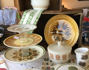 Return to the 70's, retro mix and match set, Corelle, Homer Laughlin, Pyrex, gold, brown and olive green