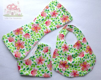 Red & white flower bib and burp set