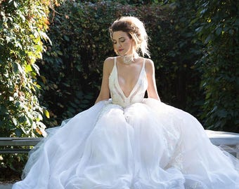 Wedding dress \'MARGARET\'/ Exquisite golden french lace