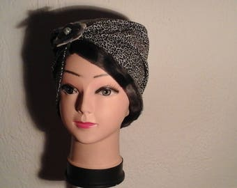 Animal reversible chemo Hat woman, girl for the winter