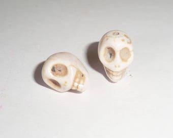 2 x 12mm white Howlite Skull skull