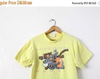 ON SALE MEDIUM Vintage 1988 Honeymoon Hawaii 100% Cotton Graphic T-Shirt