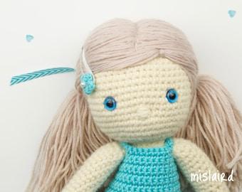 Crochet amigurumi dress up doll