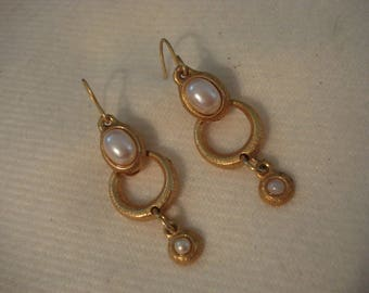 Dangle Pearl and Gold Earrings Victorian Touch A++ Condition #358