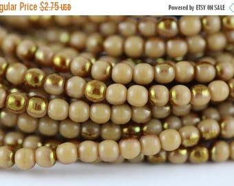 Toho Seed Beads 15//0 Light Amethyst Translucent 10g #1151 10647273