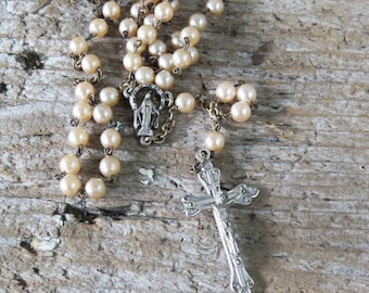 Vintage Pearl Rosary with Silver Tone Cross/Crucifix & Center Faux Blush Pearl Rosary