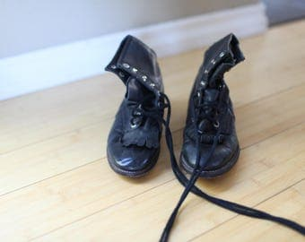 vintage black leather fringe roper ankle boots lace up kids 1 1/2