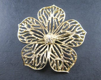 Vintage Gold Tone Flower Pin Brooch by Gerry's Signed