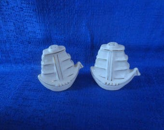 Sailing Ship Salt and Pepper Shakers,Japan Salt and Pepper Shakers,White Salt and Pepper Shakers,Vintage Salt abd Pepper Shakers