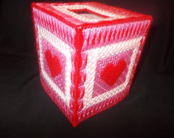 Plastic Canvas Elegant Heart Boutique Tissue Box Cover