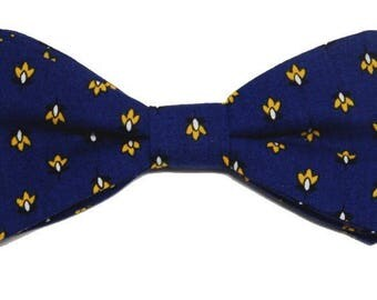 Bowtie Provence yellow and Navy with straight edges