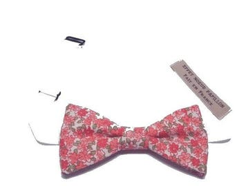 A white Choker for this bowtie Libertu coral to straight edges