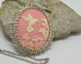 """""""Feeder"""" set with seed beads silver cameo pendant"""