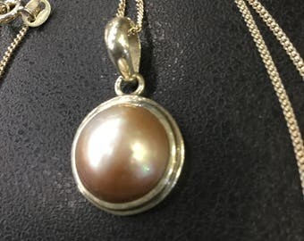 Silver mabe pearl pendant and chain
