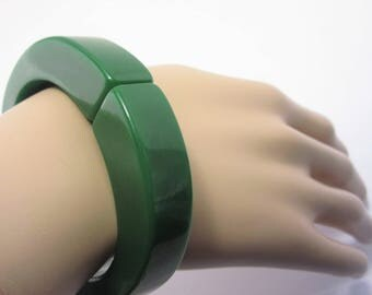 Chunky Thick Vintage Art Deco Green Bakelite Clamper Bracelet Estate Jewelry