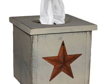 Distressed Wood Tissue Box Cover with Rusty Star