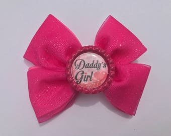 Daddy's Girl hair bow. Hot pink glitter hair bow. Shimmery hair clip. Sparkly daddys girl accessory. Heart love