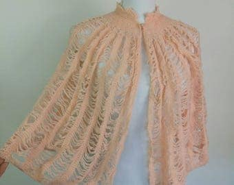 Vintage 40s hand knitted Peach Night jacket lingerie cape