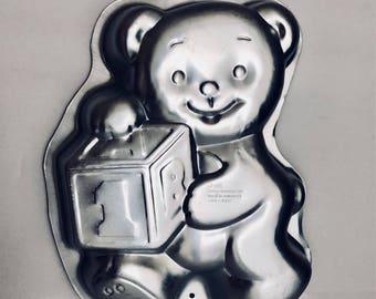 Wilton teddy bear with block cake pan