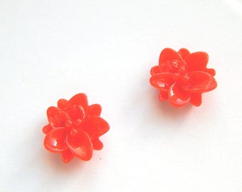 resin flower cabochons 2 x red embellishment