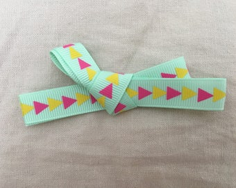 Triangle Ribbon Clip