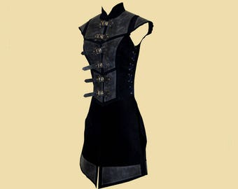 Reinforced tabbard for women made of leather