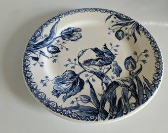 Gien 'Tulipes' Dinner Plate