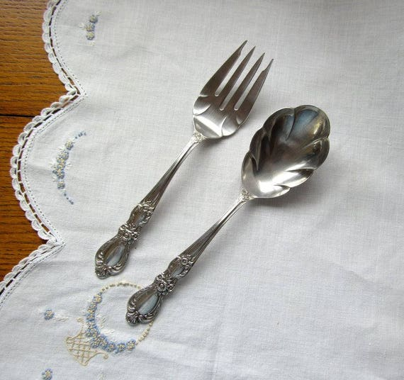 1847 Rogers Bros IS Heritage Serving Pieces