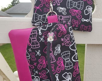 """Heidi Foldover Wristlet and Matching Coin Purse """"Handmade Minnie Inspired Bows Wristlet"""""""