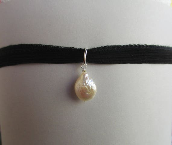 Freshwater Pearl on Black Silk Choker N911171