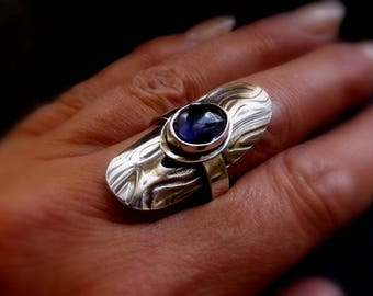 Silver and Iolite wave textured ring size US 7/ UK N 1/2 , Saddle statement ring with gemstone