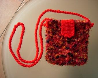 Small shoulder bag in acrylic yarn