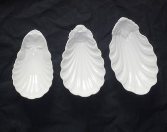 SET OF 3 Charming antique French Small ironstone side dishes  platter or why not Soap Dishe 1800s White acanthus leaf