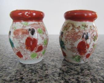 Vintage Japanese Geisha Girls Salt & Pepper Shakers, Hand Painted, Asian Decor, 1940s