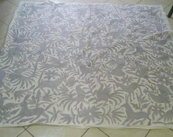 Beautiful soft gray Otomi textile - Duvet - Decor - Table cloth - Otomi Coverlet - Otomi fabric - Otomi Bedspread - Hand embroridery