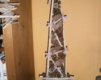 Driftwood Christmas tree and pine cones