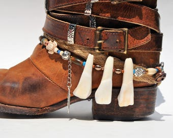 Buffalo Teeth Beaded Boot Bracelet