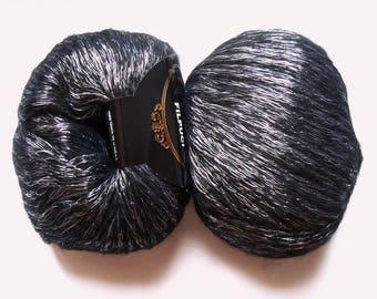 5 skeins of brilliant black Filpuci 006 Peria