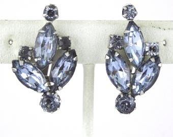 1950s - WEISS - Vintage Alexandrite Saphiret-Color Crystals Earrings